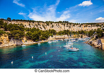 The yachts - France. Picturesque bays of the Cote d'Azur. ...