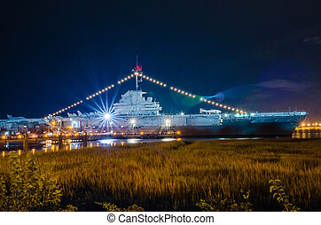 The Yorktown Museum at Patriot's Point in Charleston Harbor ...