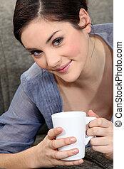 thee beker, vrouw, jonge