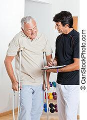 therapeut, mit, älterer mann