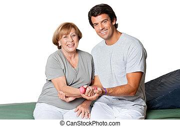 therapist, geven, muscle, opleiding, voor, elleboog, joint