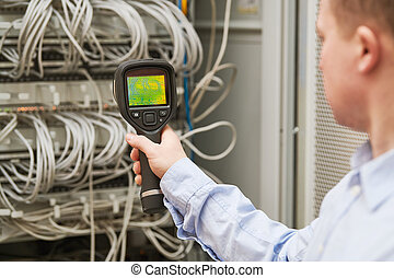 thermal imaging inspection of server computer equipment