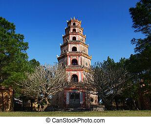 Thien Mu Pagoda, Hue, Vietnam. - Thien Mu Pagoda (Heaven ...