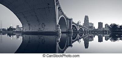 Third Avenue Bridge Minneapolis. - Toned image of Third...