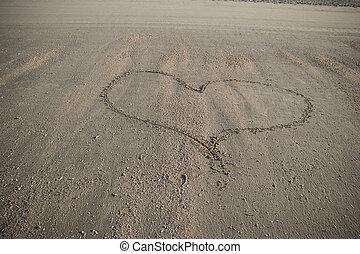 Sand heart, horizontal