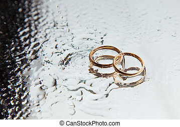 This picture show wedding rings, symbol for many couples