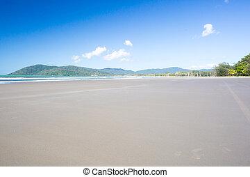 Thornton Beach in the Daintree - Thornton Beach near Cape ...