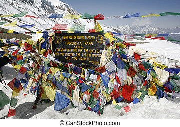 thorong la - Thorong-La pass on annpurna circuit, nepal