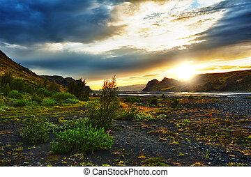 Thorsmork - Midnight setting sun lits beautifully volcanic...