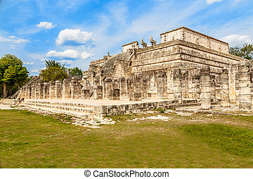 Thousand columns mayan temple complex, Chichen Itza...