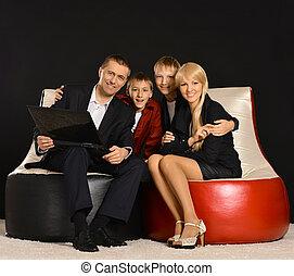 thuis, draagbare computer, gezin, vrolijke