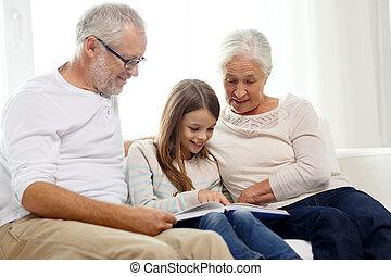 thuis, het glimlachen, boek, gezin