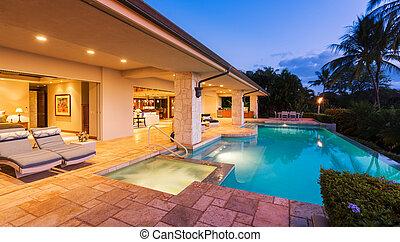 thuis, ondergaande zon , luxe, pool