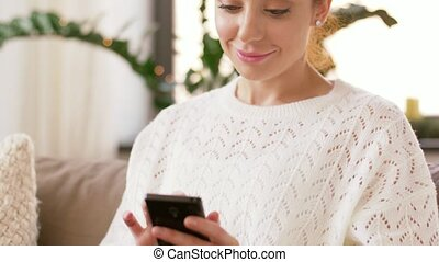 thuis, vrouw, smartphone