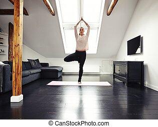 thuis,  yoga, vrouwlijk