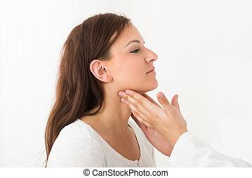 thyroïde, vérification, femme, jeune docteur