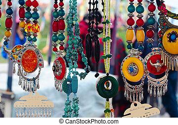 Tibetan Jewelries - Colorful Tibetan jewelry and personal...