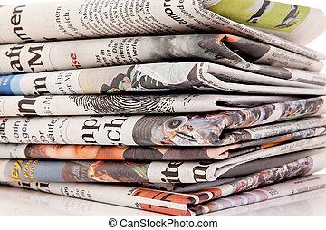 tidskrifter, tidningar, gammal, buntar