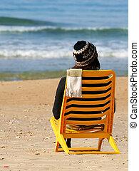 tiempo, mujer, playa, invierno, sentado