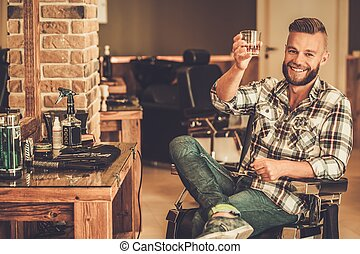 tienda, cliente, peluquero, feliz, voluntad, vidrio, whisky