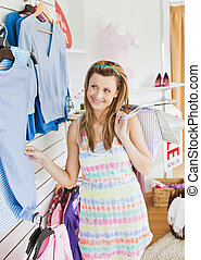 tienda, lindo, mujer, joven, escoger, ropa