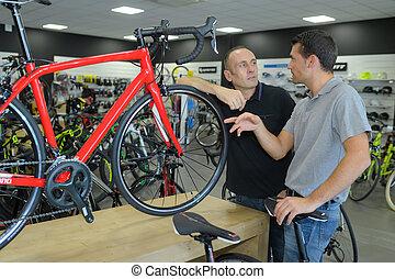 tienda, mirar, bicicleta, bicicleta, hombre