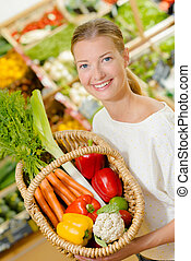 tienda, mujer, arriba, vegetal, tenencia, cesta