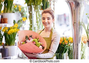 tienda, mujer, flor, florista, sonriente, ramo