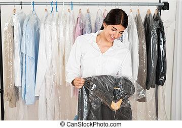 tienda, valor en cartera de mujer, traje