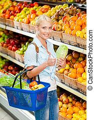 tienda, vegetales, escoger, manos, niña, col