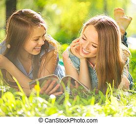 tiener, beauty, meiden, magazine, buitenshuis, plezier, lezende , hebben