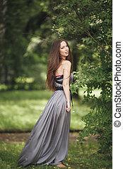 tiener, blazen, romantische, beauty, lang, meisje, outdoors., park., hair., model, jurkje, ongedwongen