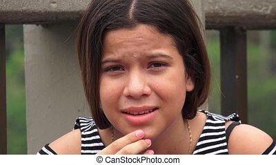 tiener meisje, hopeloos, ongelukkig