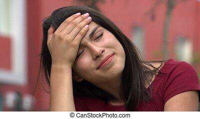 tiener meisje, ongelukkig, beklemtoonde