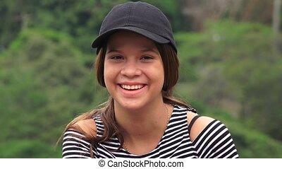 tiener meisje, vrolijke , lachen, het glimlachen