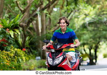 tiener, paardrijden, scooter., jongen, op, motorcycle.
