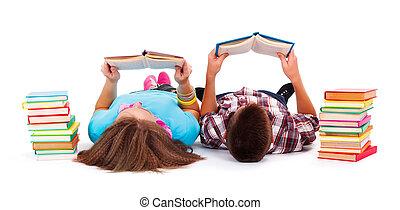 tieners, lezende , boekjes