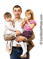 tient, père, deux, filles