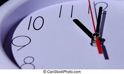 tijd, concept, zakelijk, klok, closeup, op wit, achtergrond