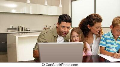 tijd, uitgeven, samen, gezin