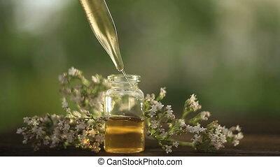 tijm, essentiële olie, in, mooi, fles, op, tafel
