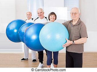 tillitsfull, senior, folk, bärande, fitness, klumpa ihop sig