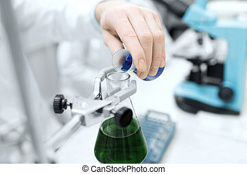 tillsluta, av, forskare, fyllande, prov tub, in, labb