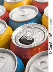 tillsluta, av, multi färgade, soda, burkar, med, en, öppna