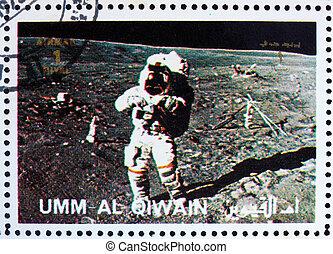 timbre postal, 1972, al-quwain, lune, astronaute, promenades, umm