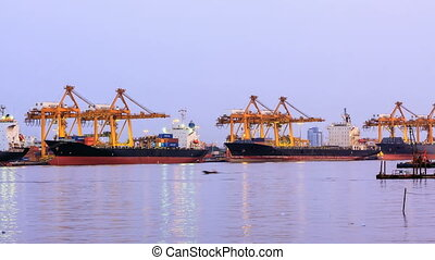 Time-lapse, Big crane shipping - Time-lapse, Big crane...