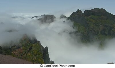 Time lapse Madeira: Clouds over Pico do Ariero