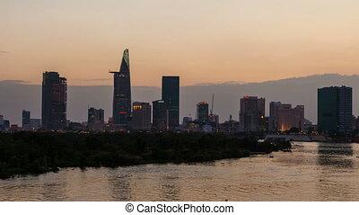 TIME LAPSE OF SAIGON AT SUNSET - Ho Chi Minh City dusk...