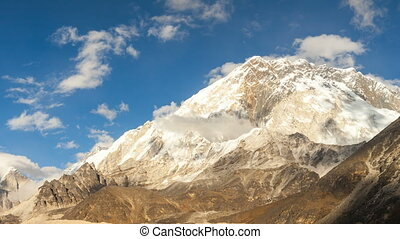 Time lapse of the mountains in Himalayas, Nepal, Everest,...