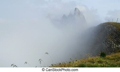 time lapse summits - A time lapse cloudrise at seceda summit...